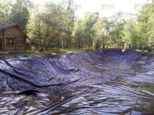 монтаж искусственного пруда