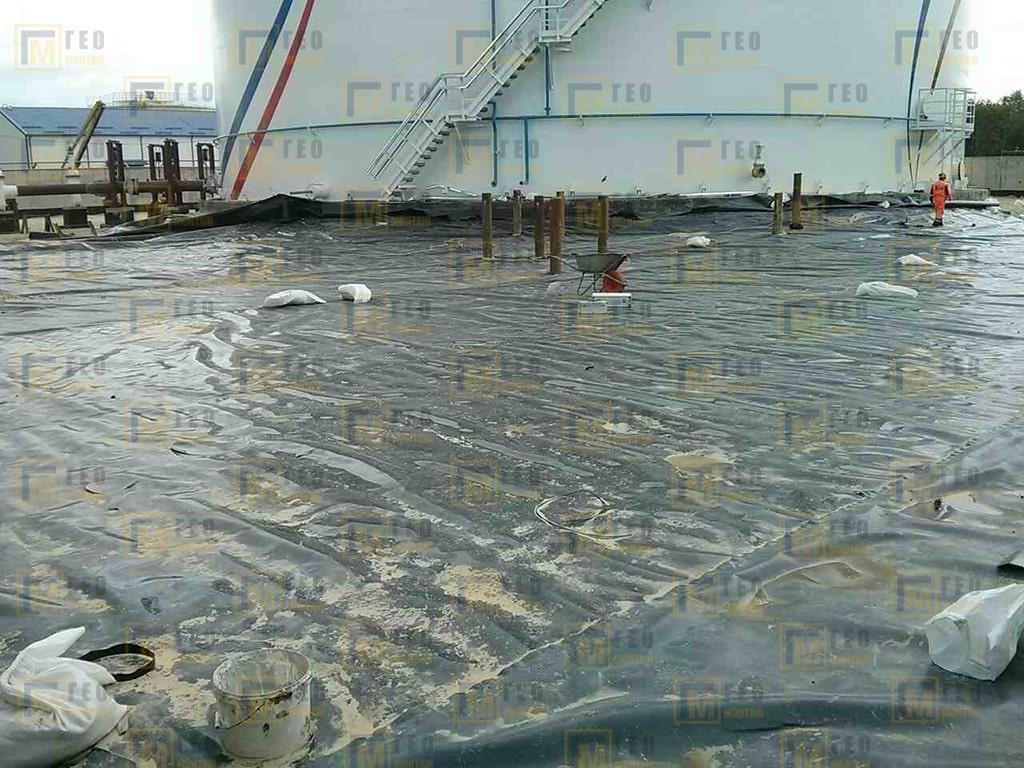 Монтаж нефтяного амбара